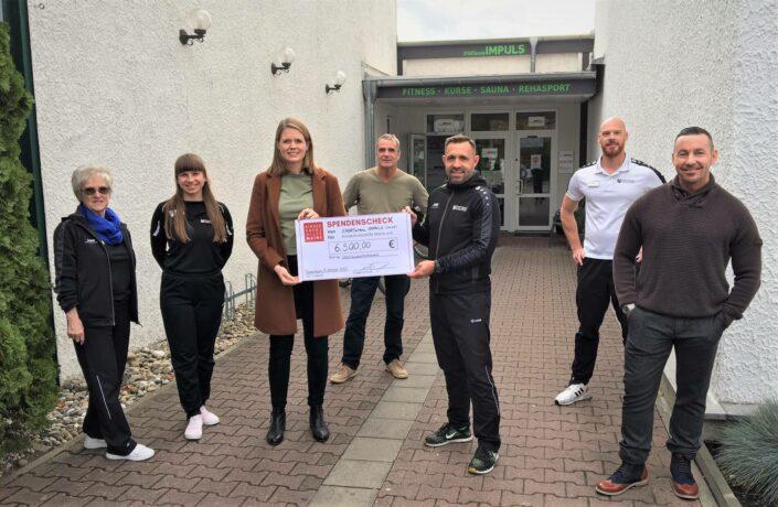 Spendenübergabe - Sportarena Impuls