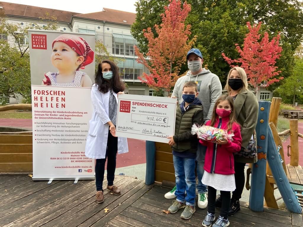 Spendenübergabe_Erstkommunion_Ottersheim_kl